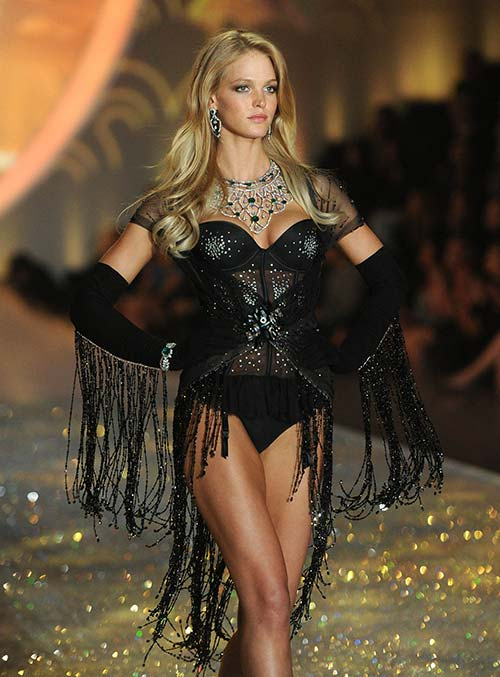 Best Lingerie Models of All Time: Erin Heatherton