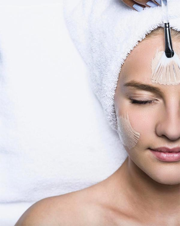 Microdermabrasion 101: What Is Microdermabrasion and Is It For You?