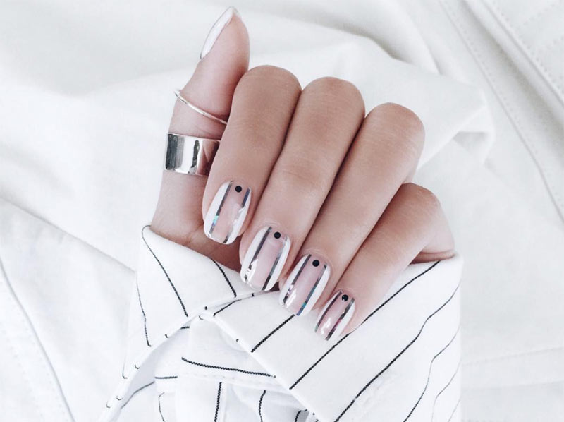 Nail Art Designs to Make Short Nails Look Longer