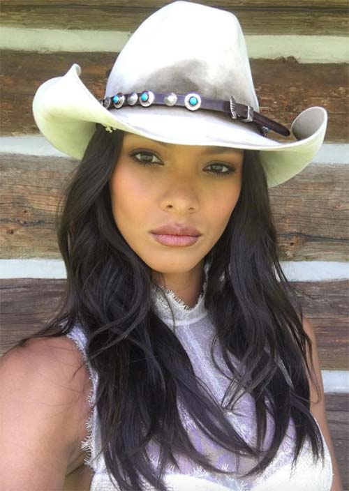 Tallest Models In Fashion History: Lais Ribeiro