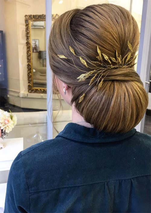 Bridal/ Wedding Updos Hairstyles: Clean Structural Chignon