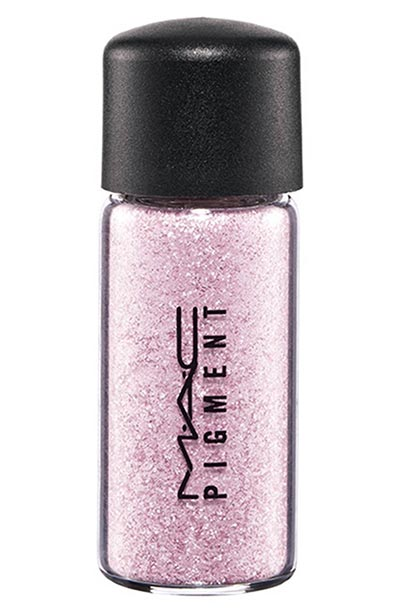 Best Sparkly/ Glitter Eyeshadows: MAC Pigment in Kitschmas
