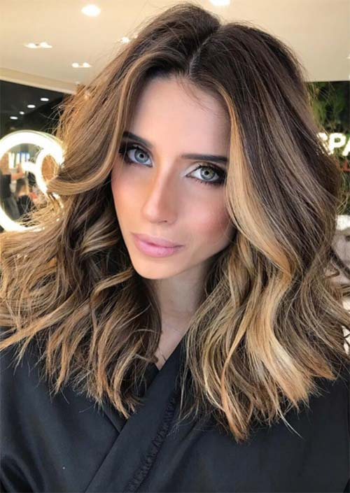 2df43ce40f6 51 Medium Hairstyles   Shoulder-Length Haircuts for Women in 2019 ...
