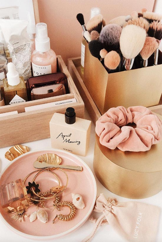 How to Choose Makeup Brush Sets